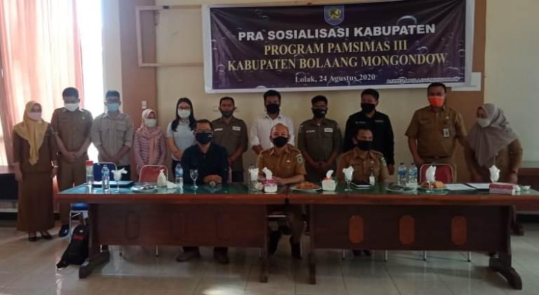 Foto bersama jajaran Bappeda Bolmong usai kegiatan sosialisasi Pamsimas