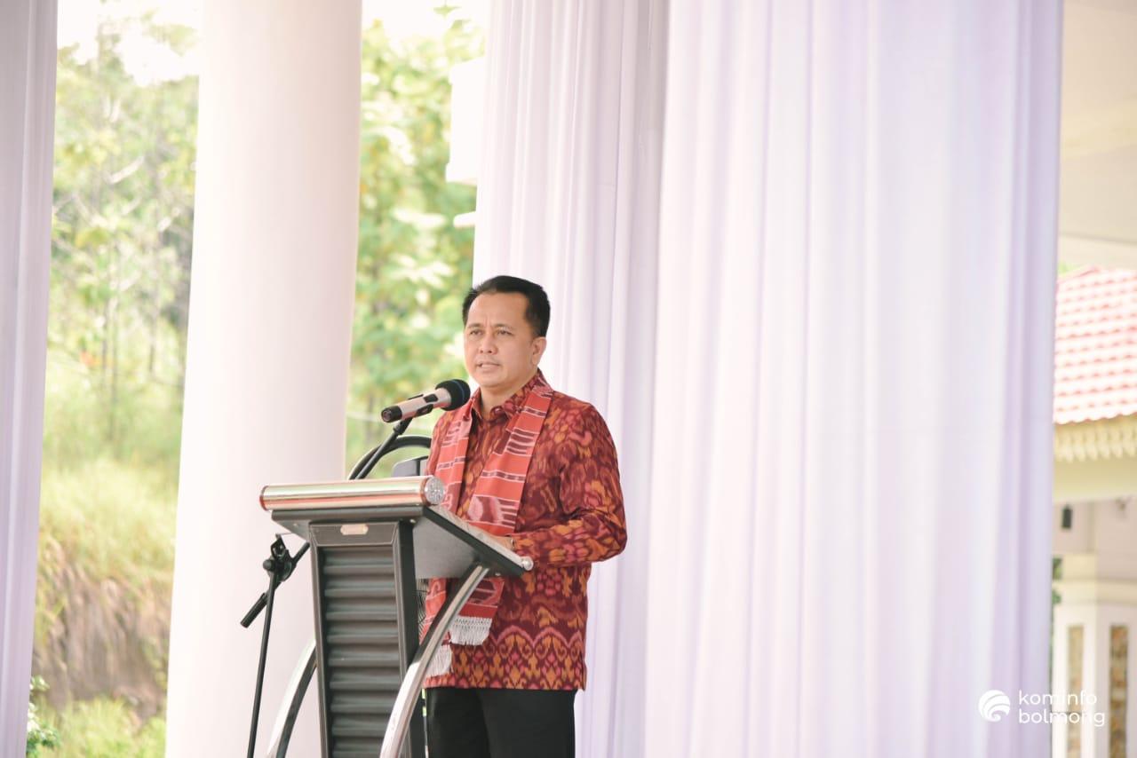 Pjs Gubernur Sulut Agus Fatoni saat memberikan sambutan.