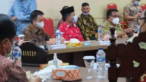 Wabup Bolsel Deddy Abdul Hamid (Batik merah) pada acara peringatan hari HAM sedunia ke 72 yang digelar di Manado, Senin (14/12).