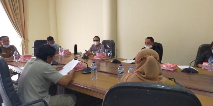 Rapat dengar pendapat bersama BPN dan BKD Bolmong digelar Komisi II (Dua) DRPD Bolmong, Selasa (3/11).