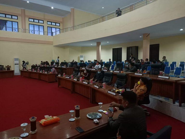 Suasana pembahasan tingkat satu Ranperda APBD Bolmong tahung anggaran 2021.