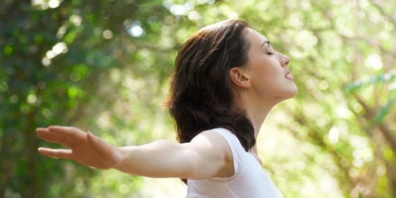 Serotonin mampu nembuat mood stabil, dan memunculkan perasaan tenang, rileks juga bahagia.