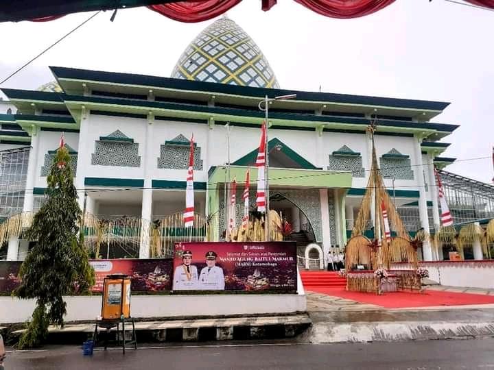 Masjid Agung Baitul Makmur