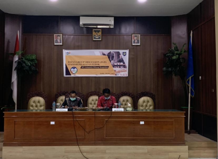 Kepala BPS Bolmong dan Sekda Bolmong Tahlis Gallang menjadi pembicara pada kegiatan FGD yang digelar di ruang rapat kantor Bupati Bolmong.