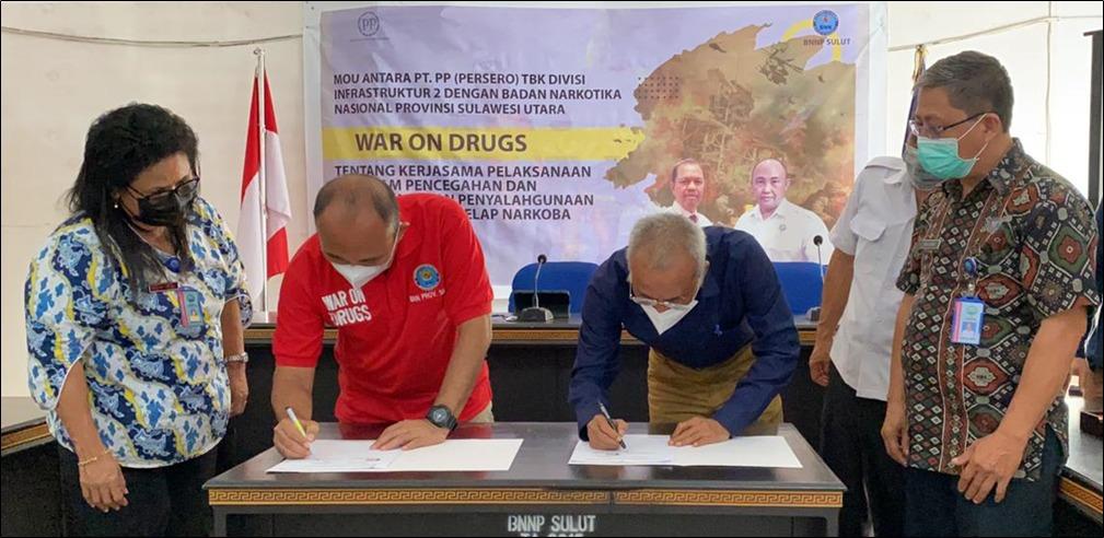 PT PP (Persero) Tbk Divisi Infrastruktur 2 bersama BNPP Sulut, Rabu (16/6), menjalin MoU Kerjasama Pelaksanaan Program Pencegahan dan Pemberantasan Penyalahgunaan dan Peredaran Gelap Narkoba (P4GN).